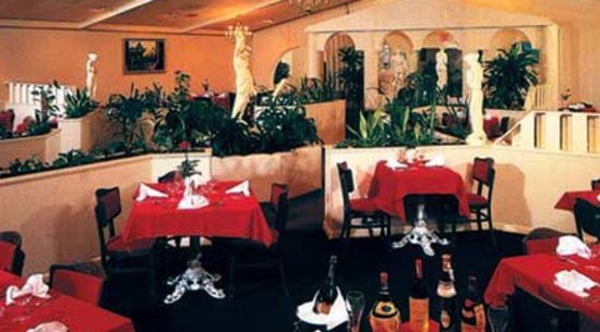 Villa Romana: Romantic Italian Restaurant in Myrtle Beach