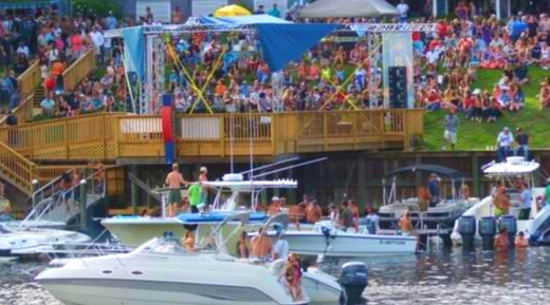 The Boathouse Waterway Bar & Grill: Myrtle Beach Live Music