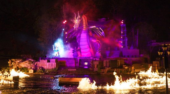 Fantasmic!: Disney World Dinner Show with Fire