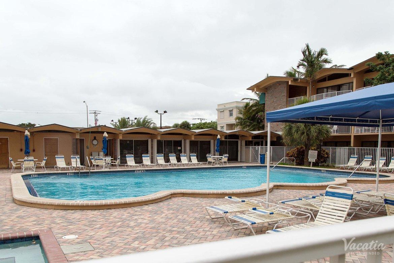 Canada House Beach Club Timeshare Resort In Pompano Florida