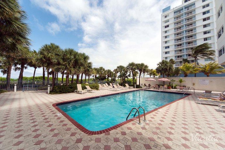 Crystal Beach Suites Health Club