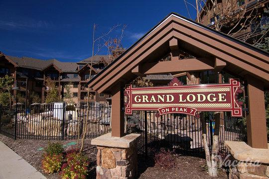 Grand Lodge on Peak 7