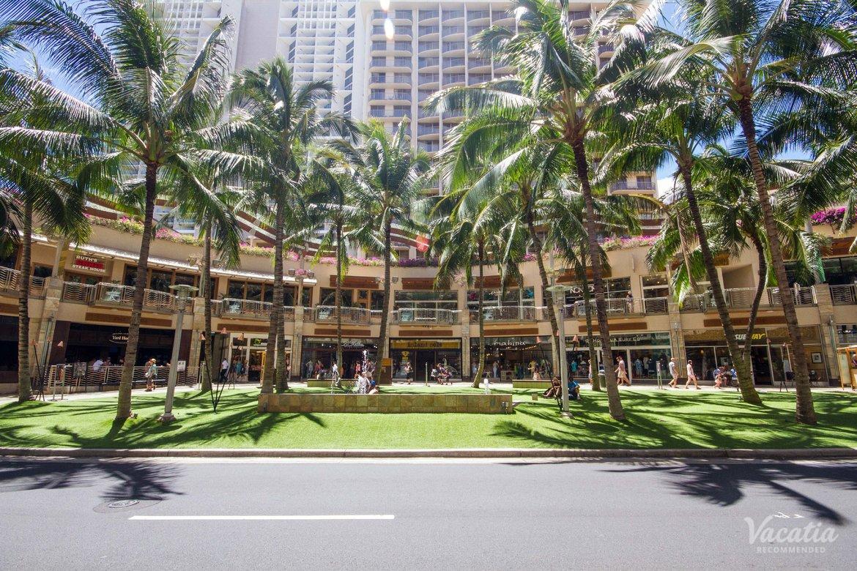 Wyndham At Waikiki Beach Walk Timeshare Resorts Oahu Hawaii