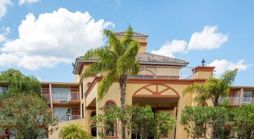 Howard Johnson by Wyndham Tropical Palms Kissimmee