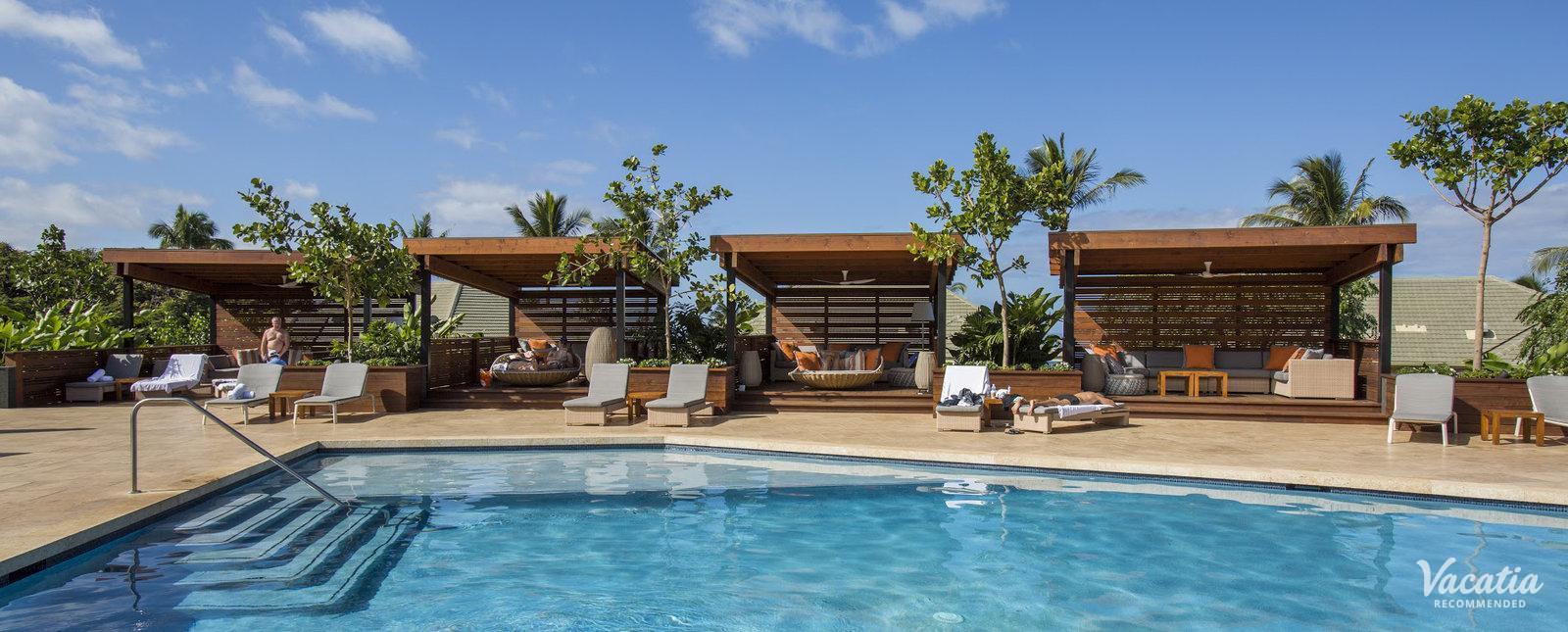 Hotel Wailea Lobby Pool Cabanas