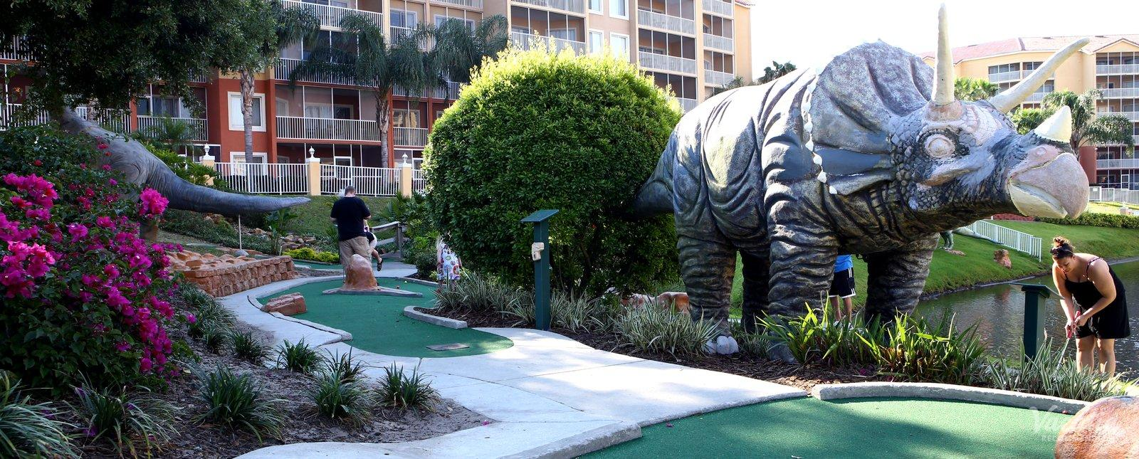 Westgate Town Center minigolf for families