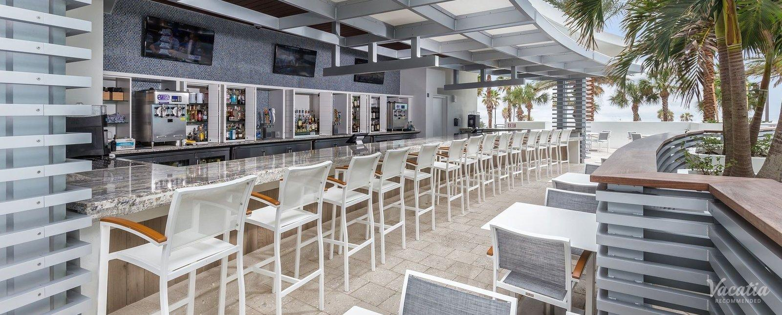 Wyndham Clearwater Beach Resort Poolside Bar & Grill