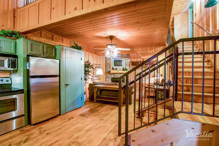 The Cabins At Green Mountain Is Your Vacation Pad In Branson. Room Preview