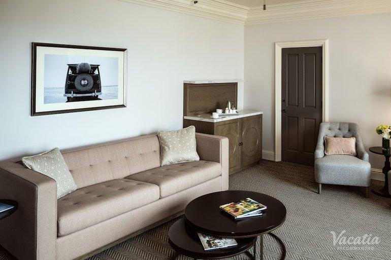 Astonishing Villa King Suite Ocean La Valencia Hotel San Diego Inzonedesignstudio Interior Chair Design Inzonedesignstudiocom